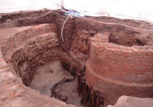 Раскопки на набережной Мойки