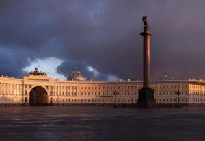 «Безлюдный Петербург в начале ковид». Фотографии с выставки Максима Атаянца