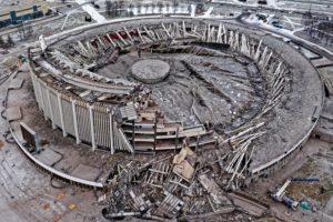 Последствия обрушения крыши СКК во время демонтажа здания
